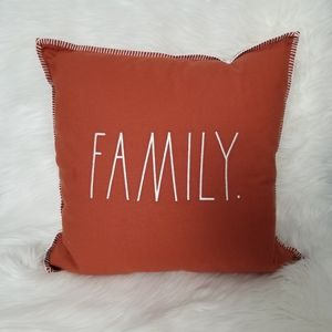 ⬇️ RAE DUNN Family Pillow NEW